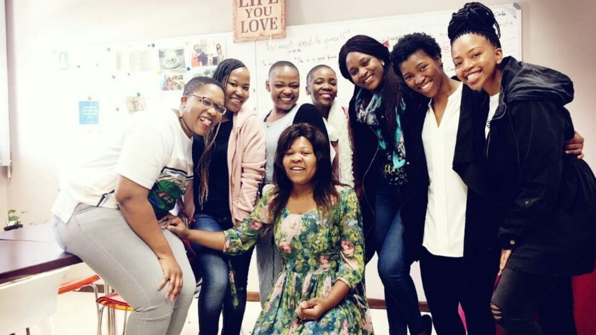 UKZN Students and their mentors from the Silibona Educational Trust at their first meeting in 2018. From left to right on the top row are Desiree Mzimela (Mentor), Nosipho Gabela, Samkelisiwe Mkhize, Futhi Mchunu (Mentor), Melda Magolela (Mentor), Nothando Maphumulo, Nobuhle Magadlela and Andiswa Mbatha (Mentor).