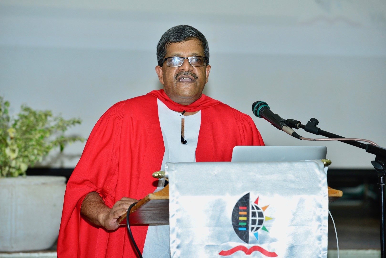 Professor Vaughn John delivers his inaugural lecture on the Pietermaritzburg campus.